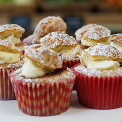 Cakes, Buns and Baking Goods